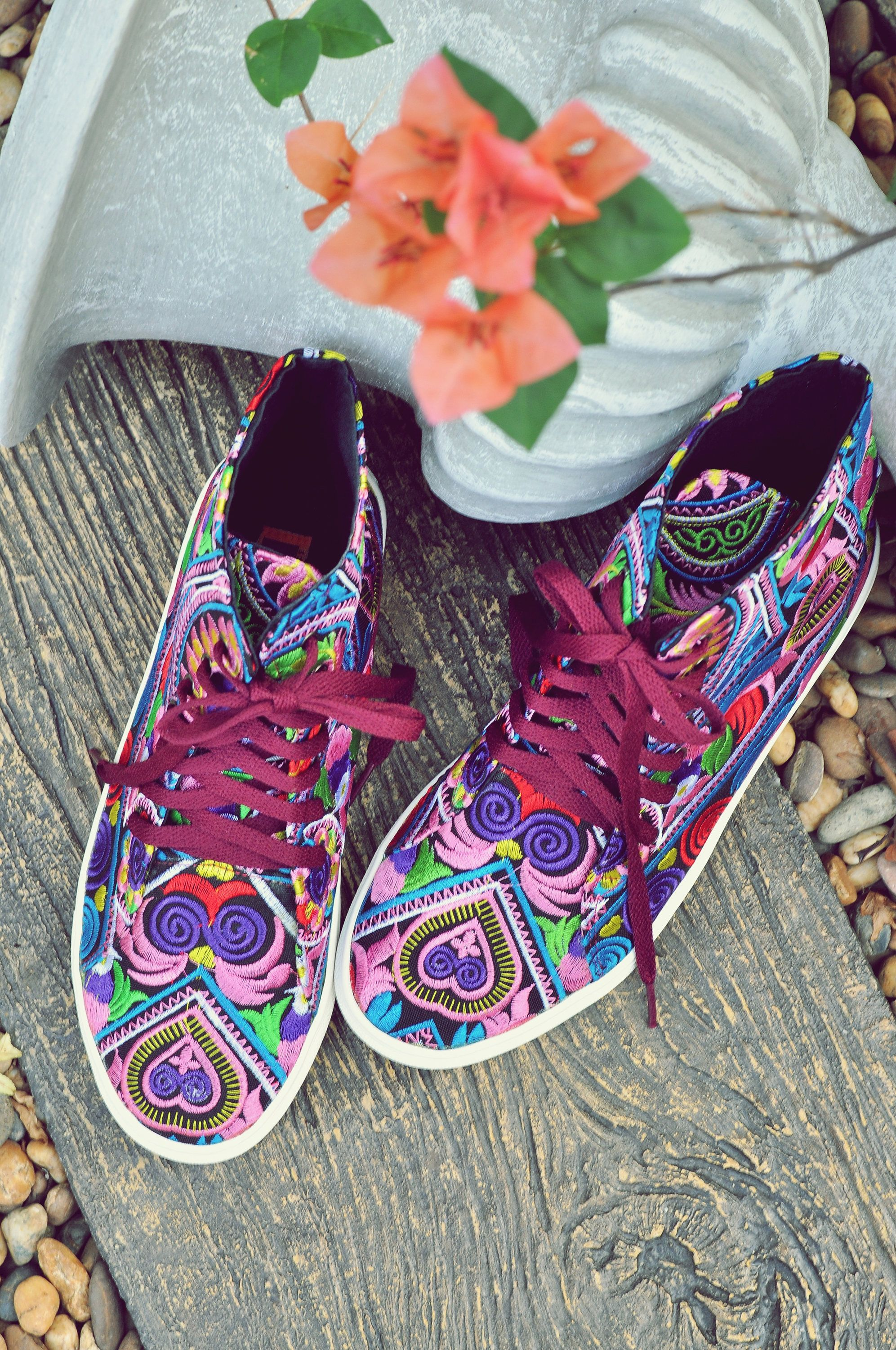 Embroidered shoes Vegan Hi Tops Sneakers The Heart of Owls is