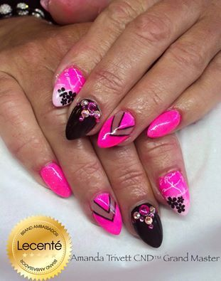 Sculpted acrylics, CND Shellac, #Lecenté neon shadow powders, #glitter & Swarovski crystals with design #amandatrivett #nails #nailart #lovelecente