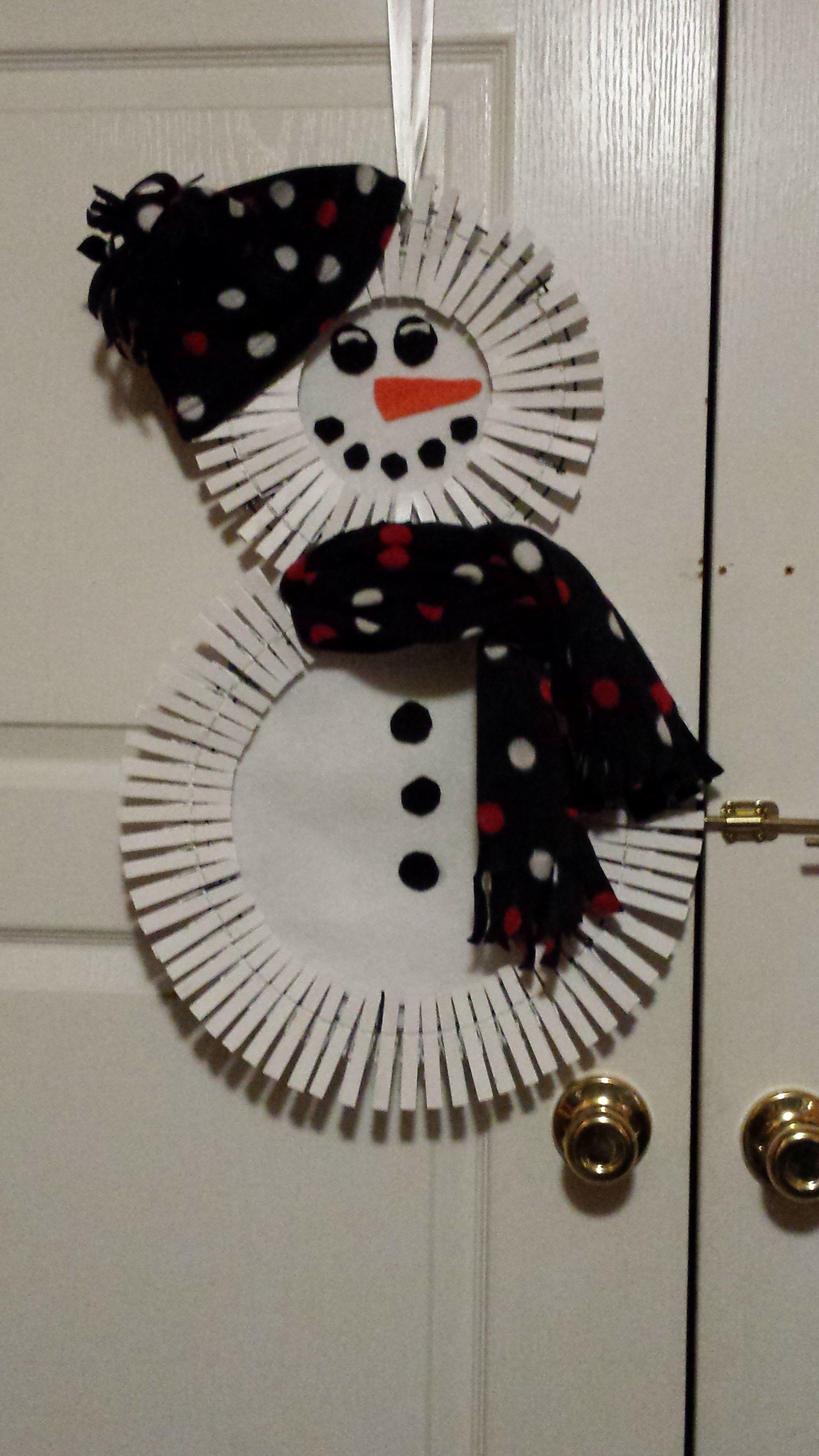 Fiber optic christmas snowman wreath decoration - Clothespin Wreath Snowman