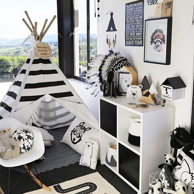 ⠀ // This room is absolutely adorable / Tag your photo with #mynordicroom //⠀ Photo credit: @taslifewithmyboysblog .⠀ .⠀ .⠀ Don't miss out on your daily Nordic interior design and lifestyle inspiration! Follow us on Facebook / Link in bio