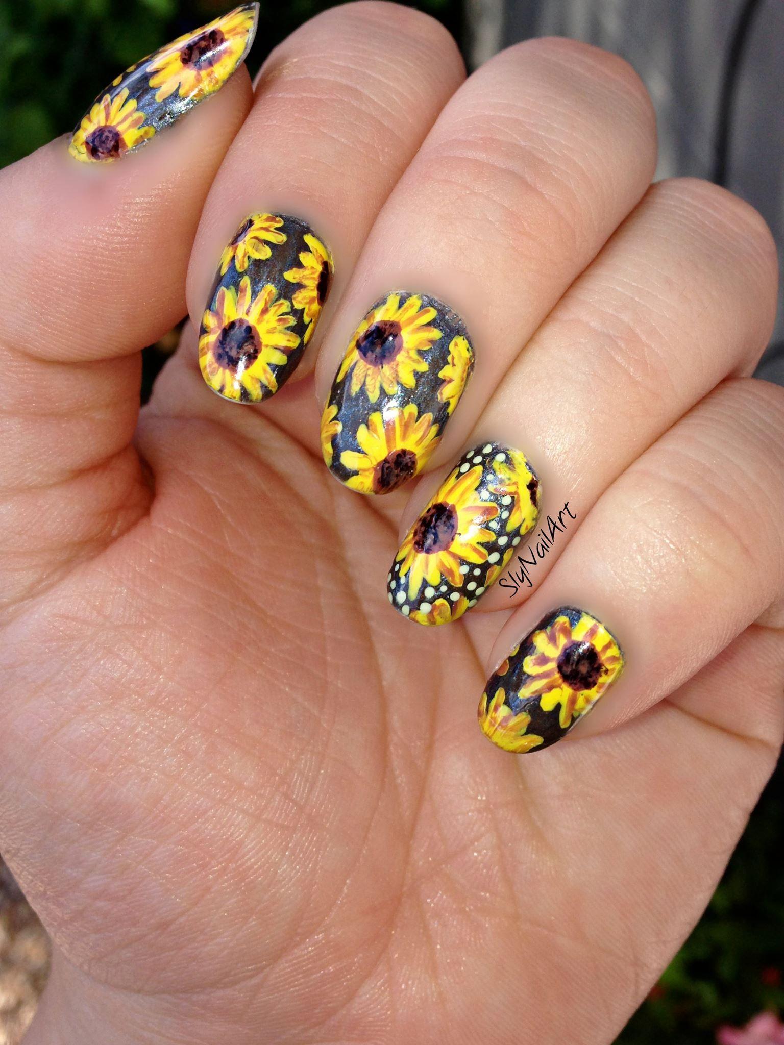 Sunflower Nail Art. -SlyNailArt | Nail Art | Pinterest | Sunflower ...