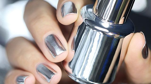 Mirror Nail Polish Is Ridiculously Cool