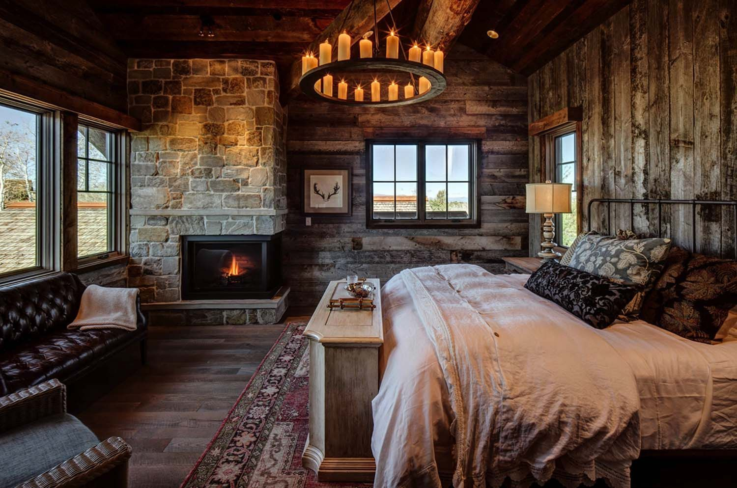 Schlafzimmer Rustikal Modern Interesting 25+ Modern Rustic Bedroom Decor Ideas For Your Home #modernrusticbedroom A Bedr… | Hütte Schlafzimmer, Rustikales Schlafzimmerdesign, Kabinenausstattung