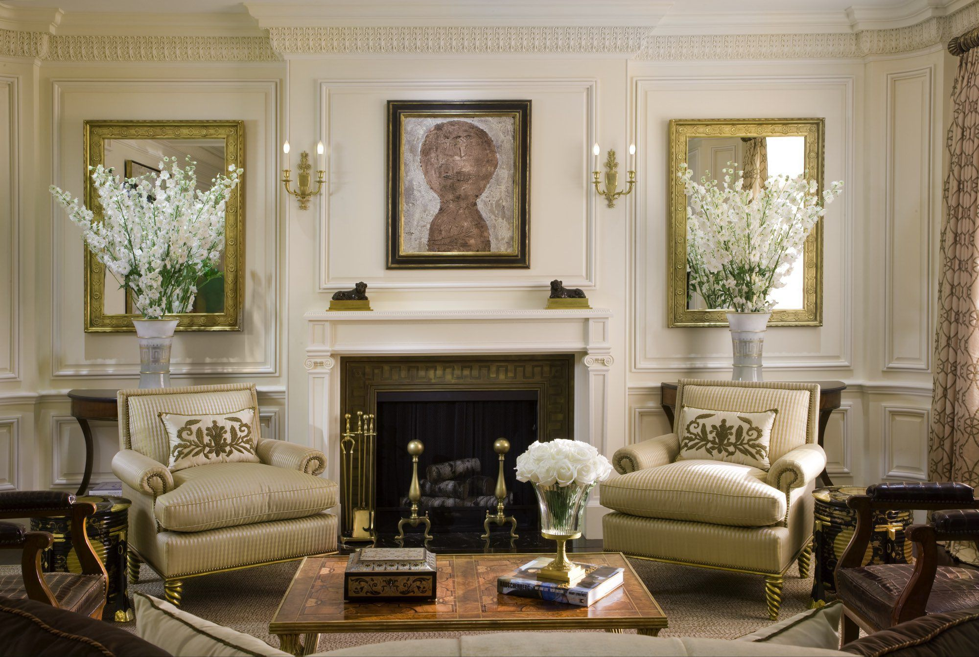 Fifth Avenue Neoclassical u Cullman u Kravis Art At Home