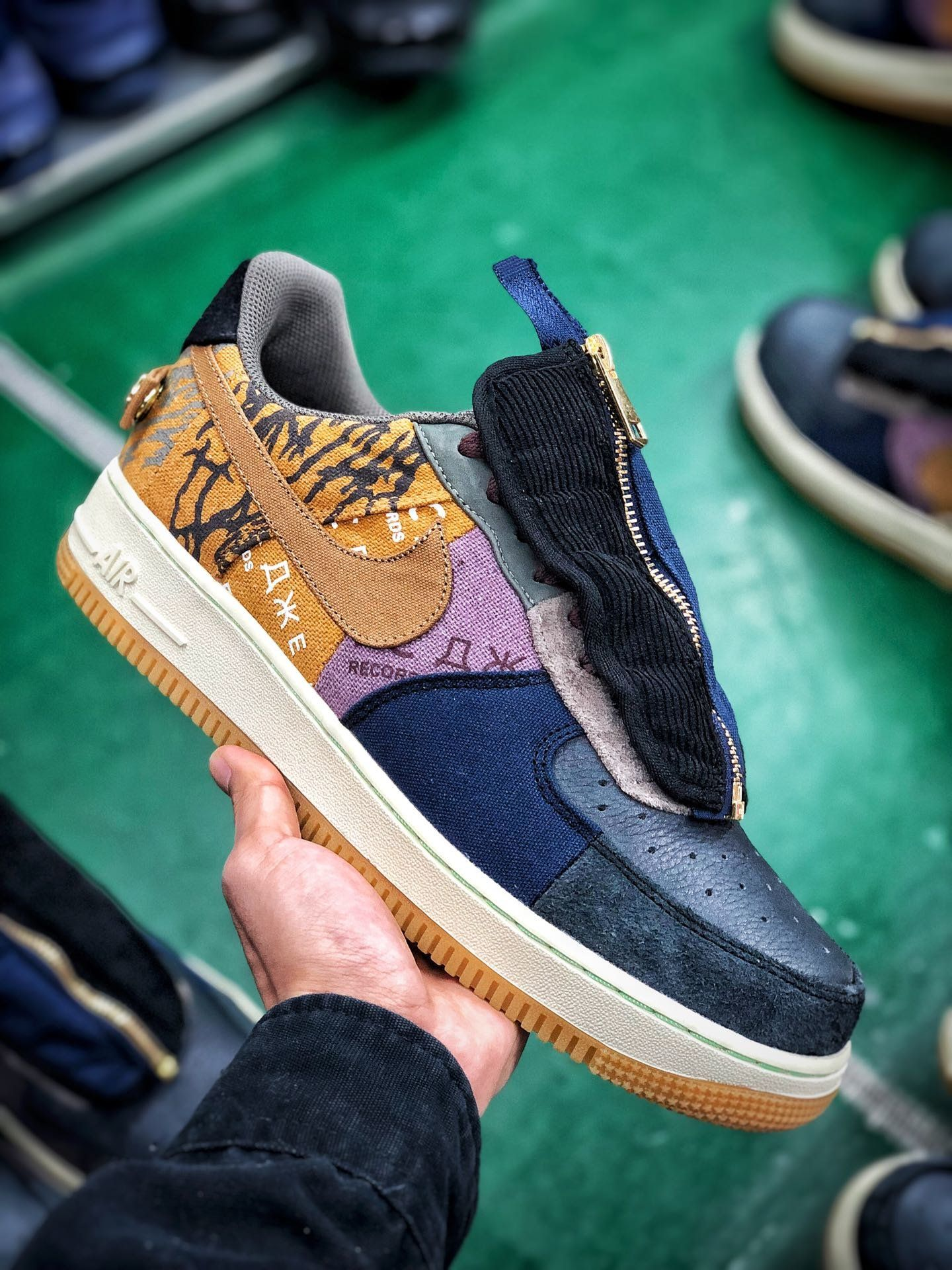 2020的Travis Scott x Nike Air Force 1 CN2405900
