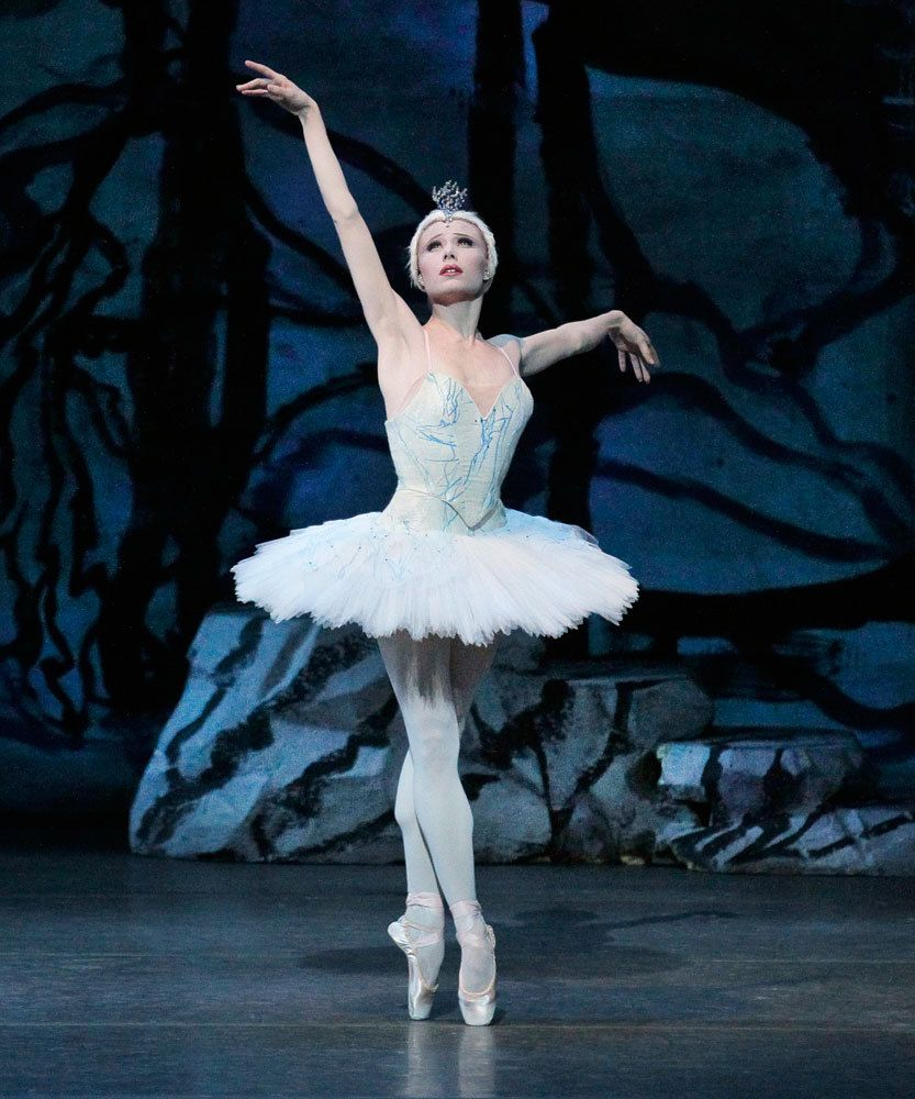 Sara Mearns In Peter Martins Swan Lake New York City Ballet September 2015 C Paul Kolnik The Reputation Of The Compan City Ballet Dance Magazine Swan Lake