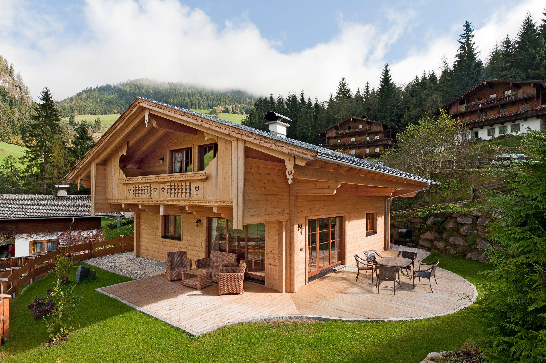 Die strengen Bauvorschriften im Tiroler Alpbachtal erfüllt