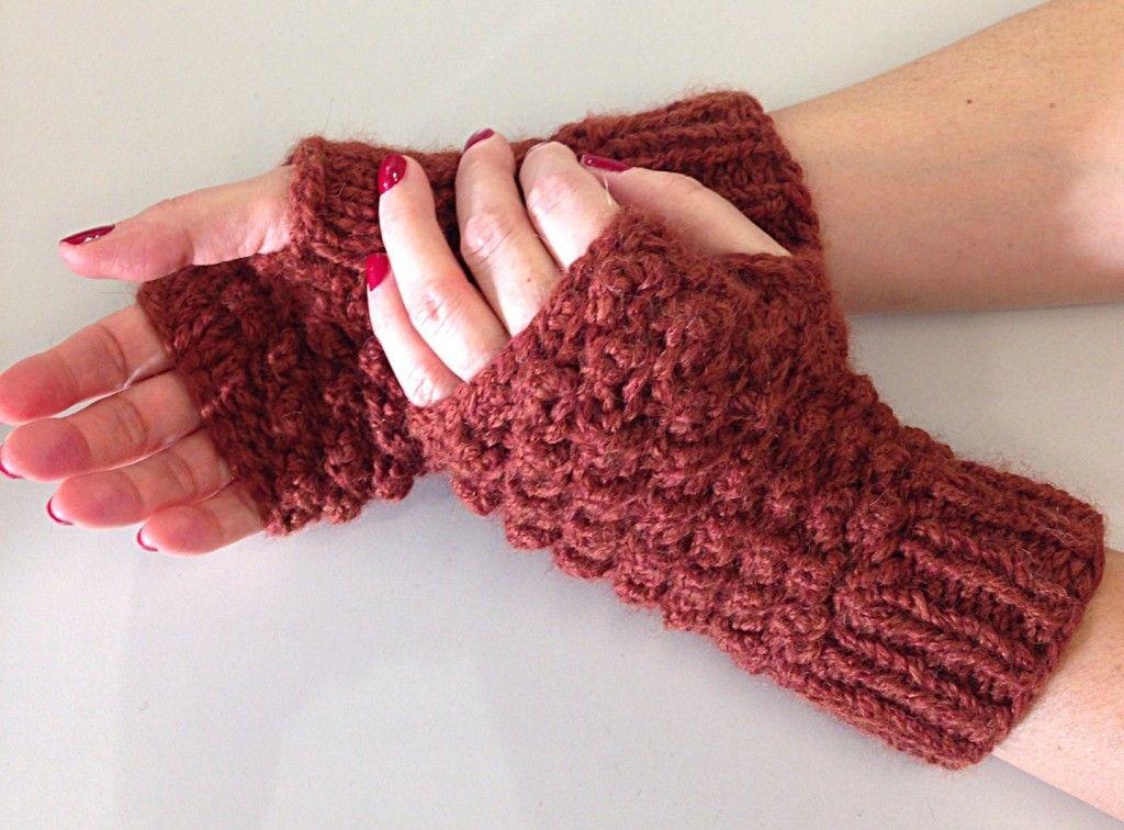 83fdd4b50 Raspberry stitch mittens - Shortrounds