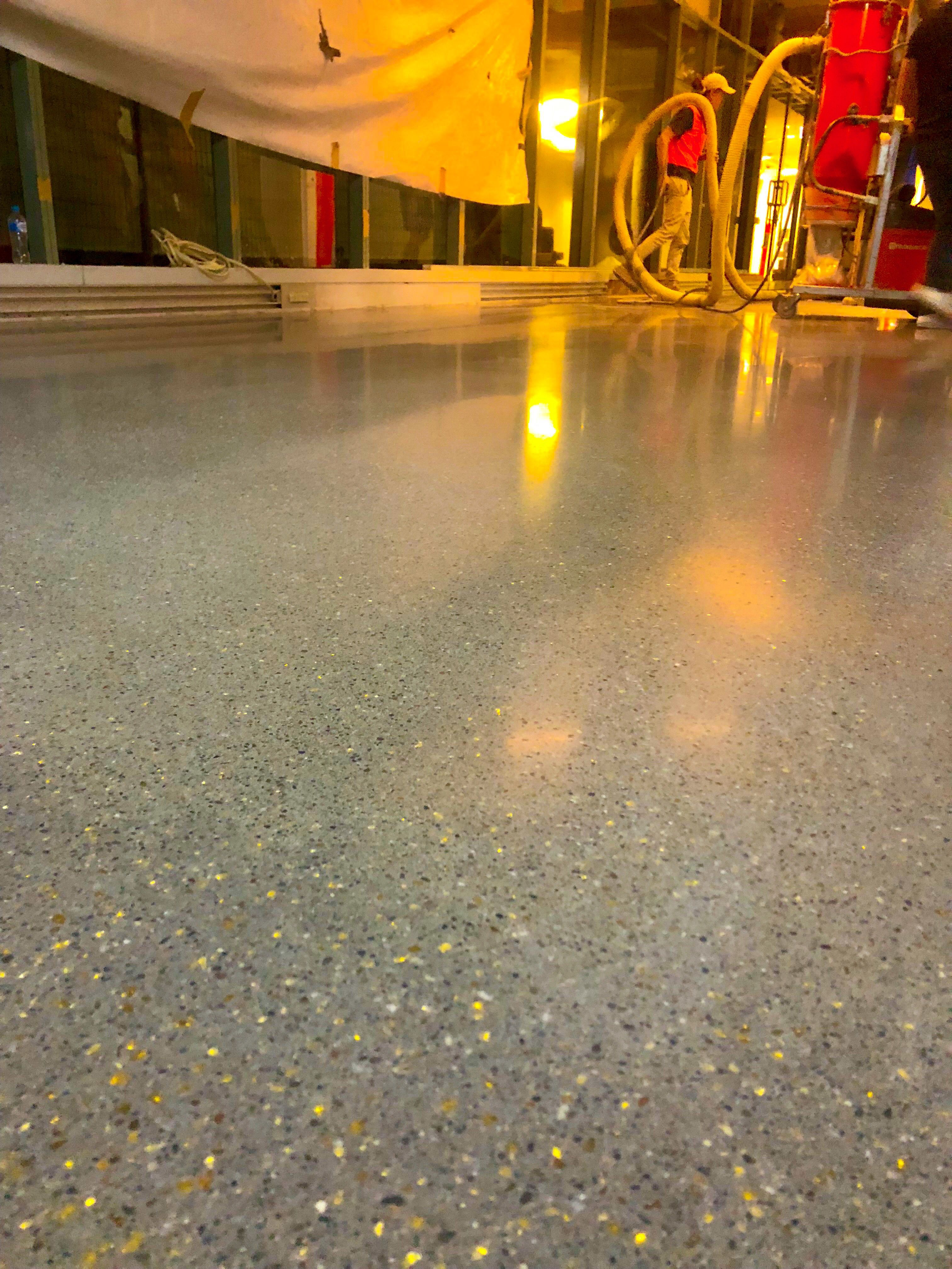 10mm Polished Overlay With Gold Mirror Polishedconcrete