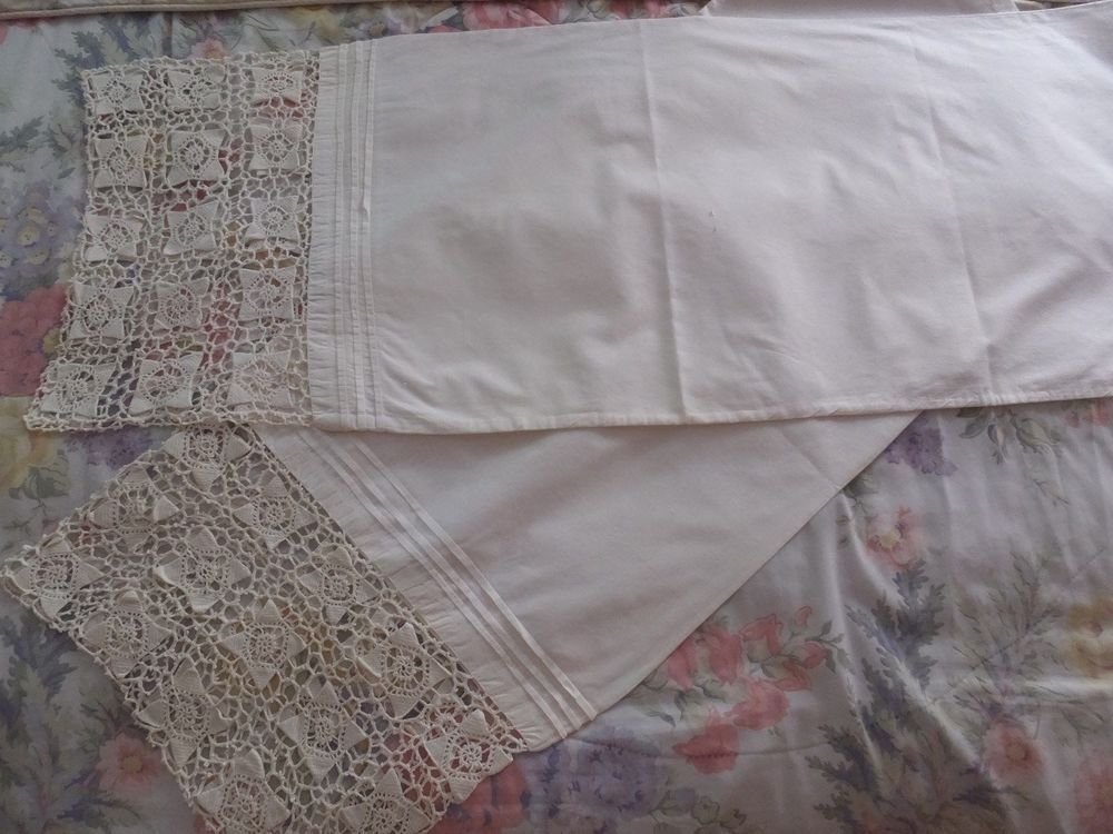 PAIR VINTAGE HAND CROCHET LACE WHITE COTTON ALTAR TABLE RUNNERS