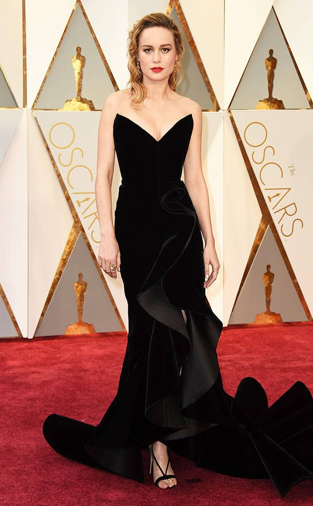 Va Va Voom Brie S Looking Mighty Sultry In This Voluminous Shapely Dress It Might Just Be The S Celebrity Dresses Red Carpet Nice Dresses Red Carpet Dresses