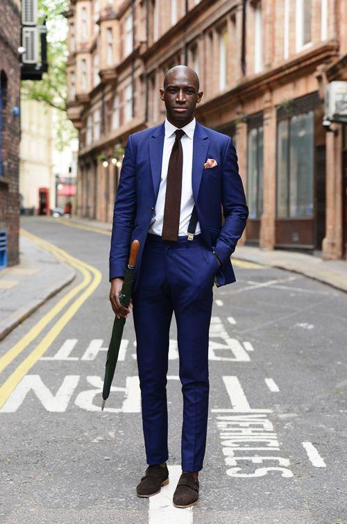 Kornblå kostym - Stiltips   Black man, Men's fashion and Man style