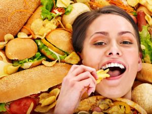 Connection between sleep deprivation and junk food cravings