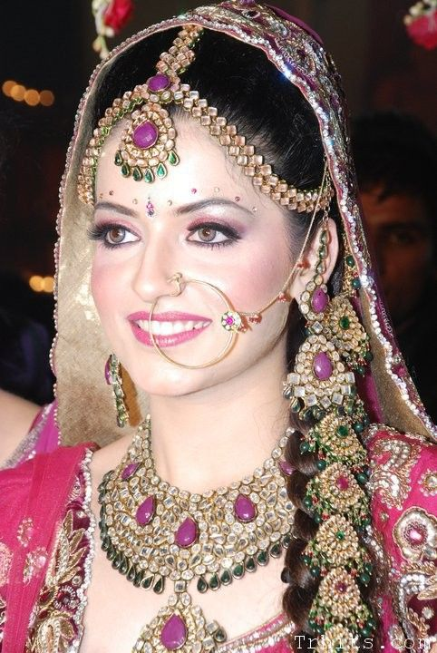 BRIDAL MAKEUP LOOKS & TIPS | bridal makeup tips1 Bridel Makeup Tips  Daring on my special DAY