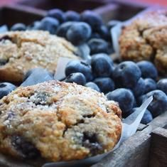 Blueberry Almond Crumb Muffins (via www.foodily.com/r/PMg3xYwIp)