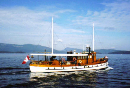 Vintage Motor Yachts For Sale Google Search With Images