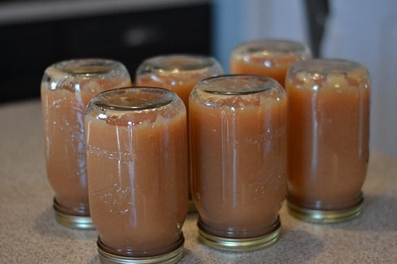 How To Can Applesauce The Easiest Way In The World Infarrantly Creative Canned Applesauce Canning Applesauce Canning Apples