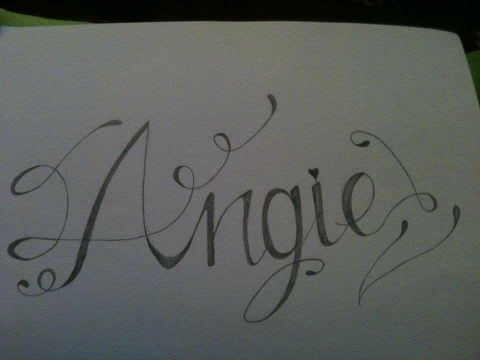 Dibujo Hecho A Lapiz Tatuaje Con El Nombre De Angie Dibujos Hechos A Lapiz Angie Nombre Graffitis De Amor