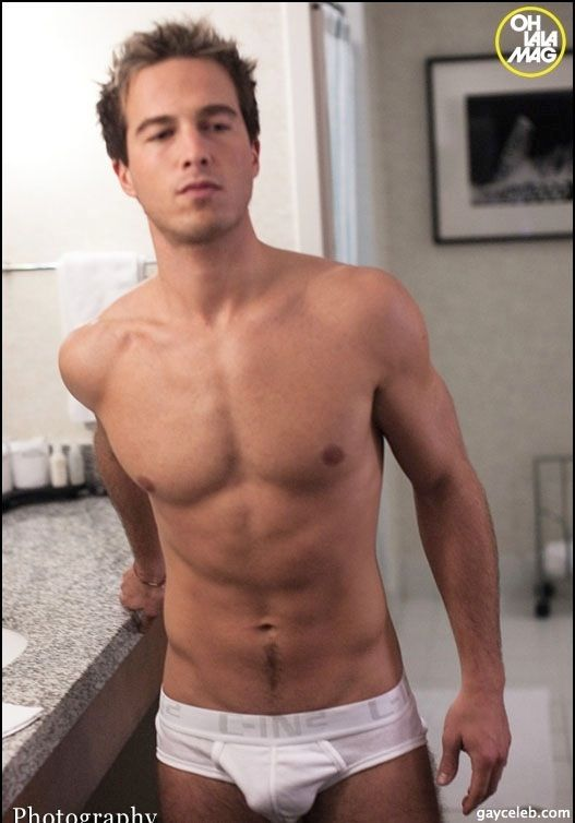 ryan carnes hot nudo