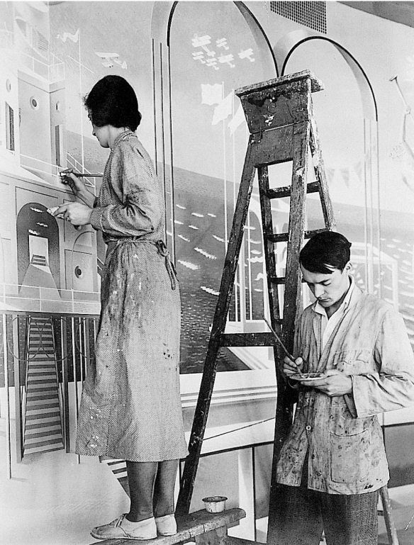 Eric Ravilious with his wife Tirzah in 1933 painting the Morecambe Mural