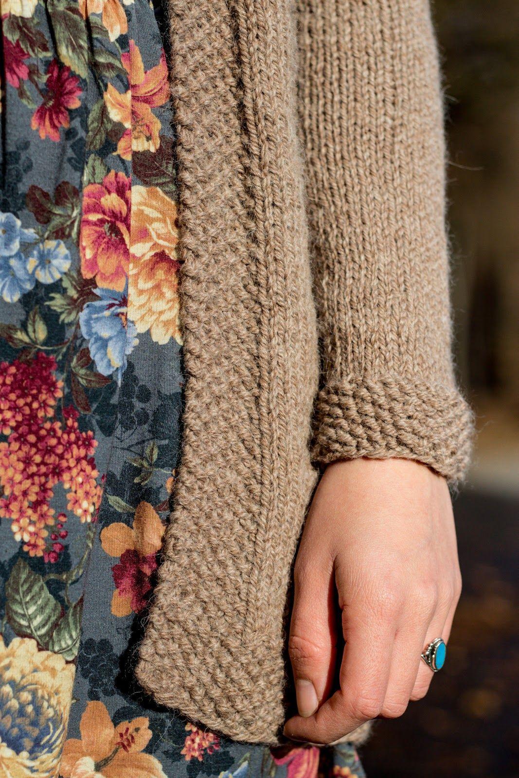 48f0ed44aa Lange Strickjacke mit Zopfmuster selber stricken - kostenlose Anleitung -  Jacke selber machen - Kleidung selber stricken - Long Cardigan Free  Knitting ...