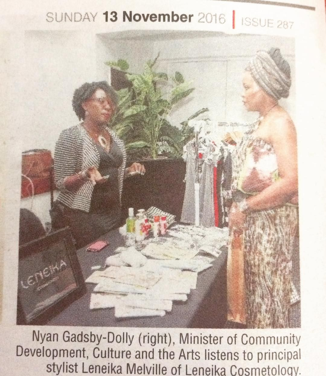 #tbt It was such an honor to chat with the honorable Minister Nyan Gadsby-Dolly on natural hair and the many options at the recent held @livestyle_life workshop.
