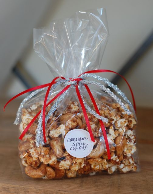 Real Food Tips: 12 Homemade Holiday Gifts (that aren't cookies!) #foodtips