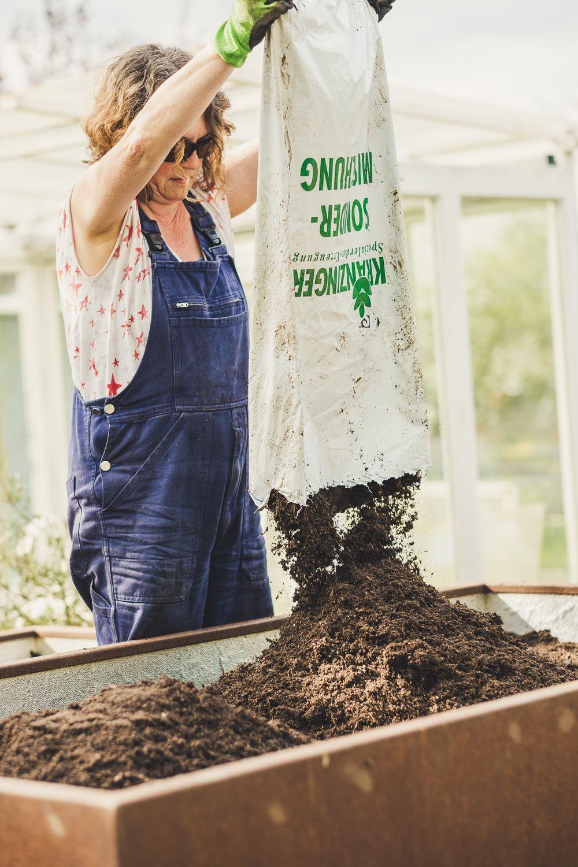 Hochbeet Auffullen Kompost Muttererde Oder Gekaufte Hochbeet Erde Hochbeet Kompost Mutter Erde
