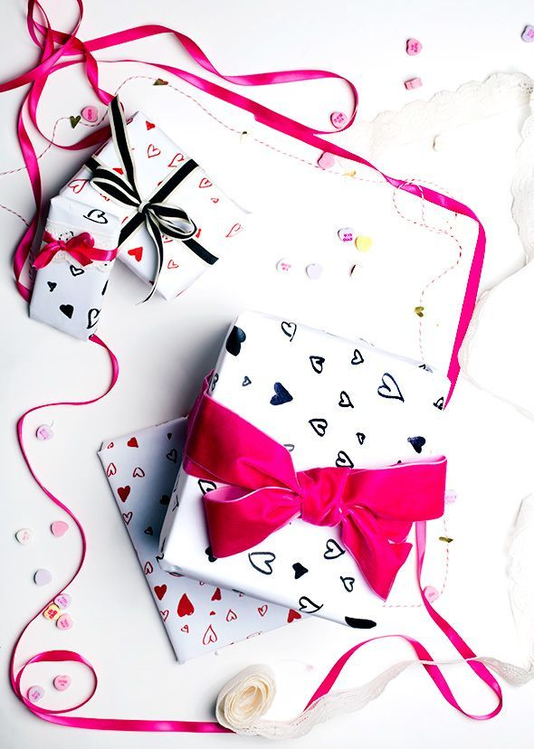 Free printable Valentine's Day gift wrap. Love the hand-drawn hearts. (That look better than ours.)