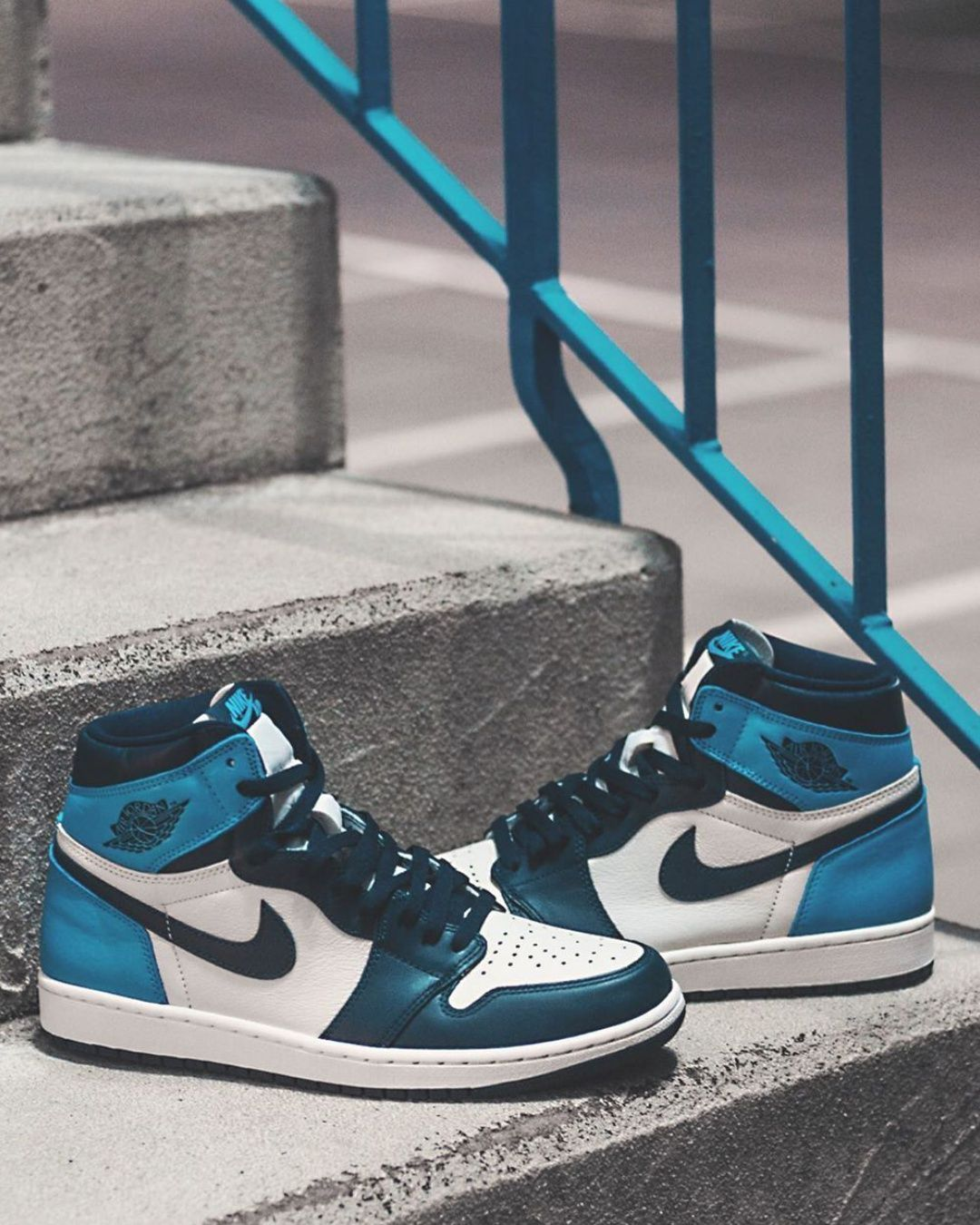 Jordan 1 Retro High Obsidian Unc 2020 Thanksgiving Outifts Trends Outfit Casual Shoes In 2020 Jordan Casual Shoes Nike Fashion Shoes Casual Shoe Sneakers