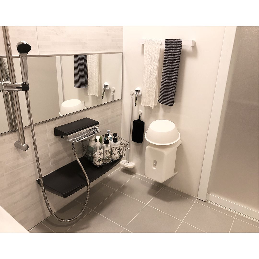 Reiさんはinstagramを利用しています 我が家の お風呂 掃除を楽にしたくて 棚は全てなくして 減額オプション カウンターのみにしました 必要最低限の物しか置い