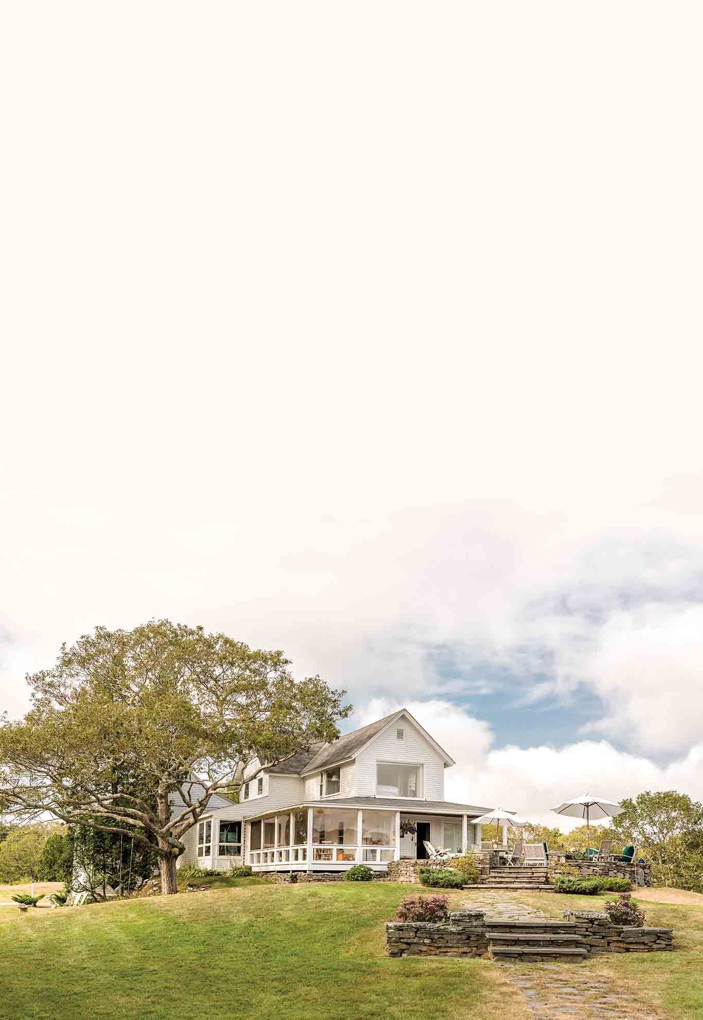 How To Find Your New Maine Home The Maine Mag In 2020 Maine Yarmouth Real Estate Companies
