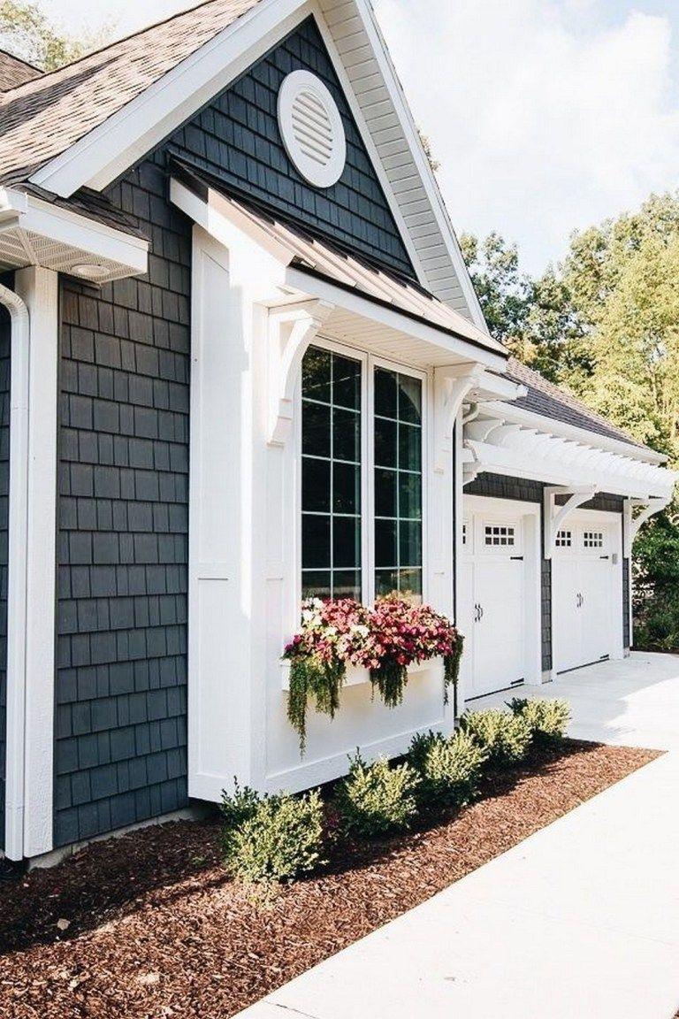 Coastal Farmhouse Exterior Design Ideas (17) – Decomagz