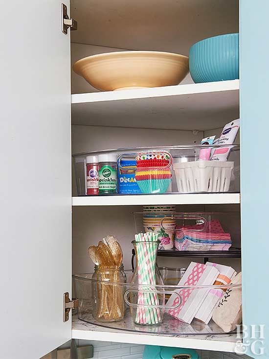 Make the Most of a Tiny Kitchen with These Genius Storage ...
