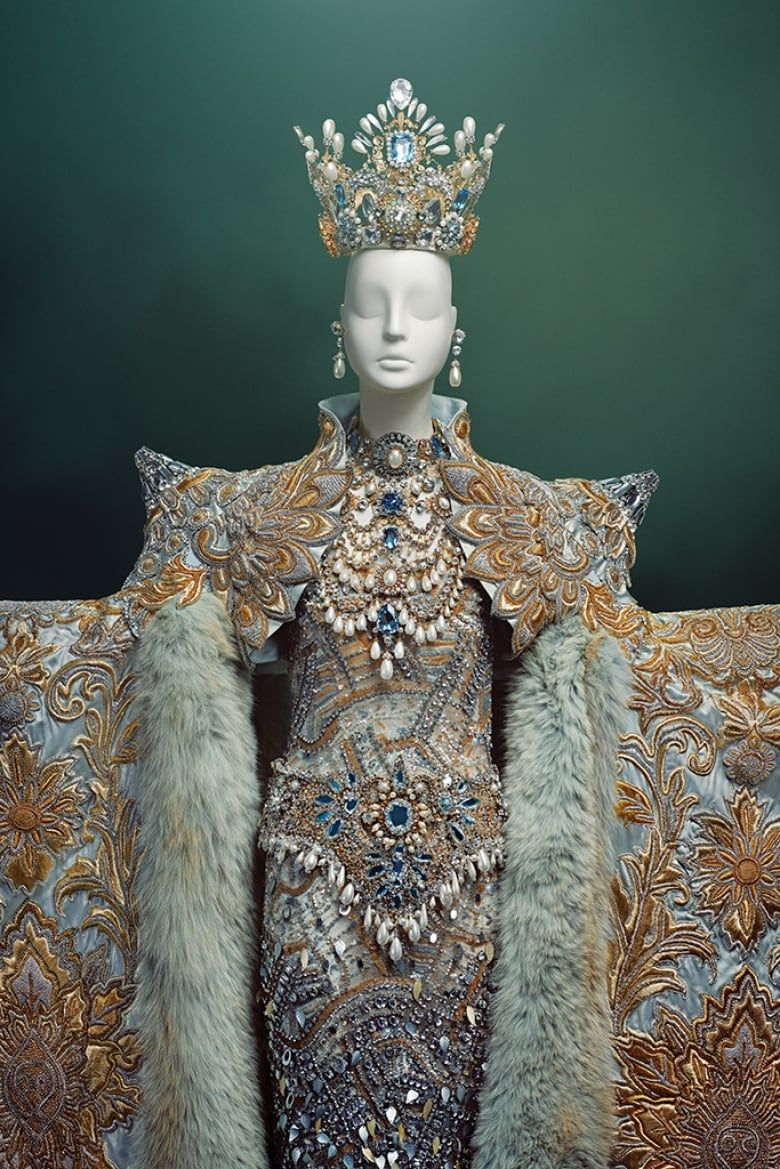 World-famous couture designer Guo Pei brings exquisite creations to Canada for the first time