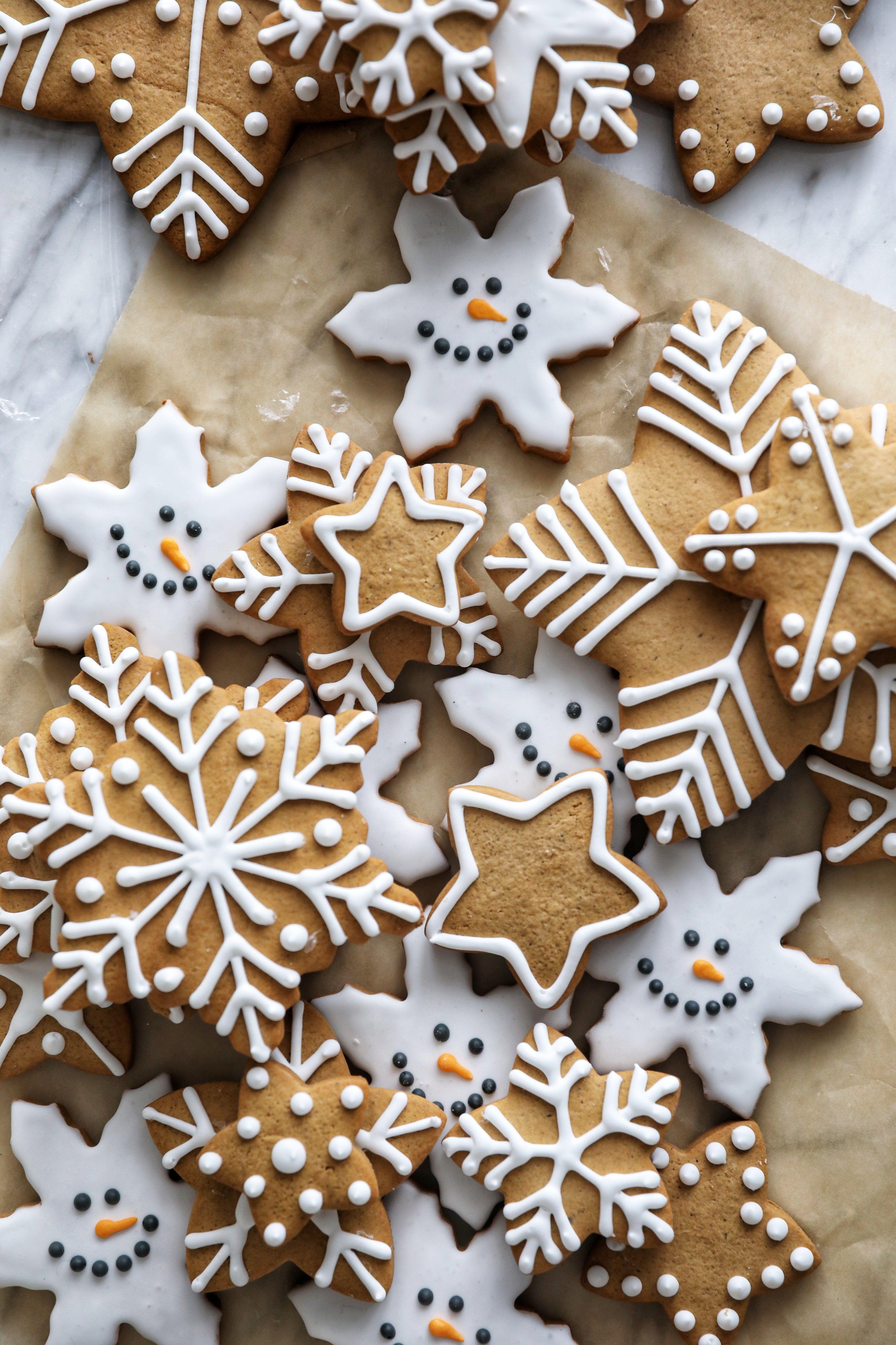 Gingerbread Snowflakes Simply Beautiful Eating Christmas Cookies