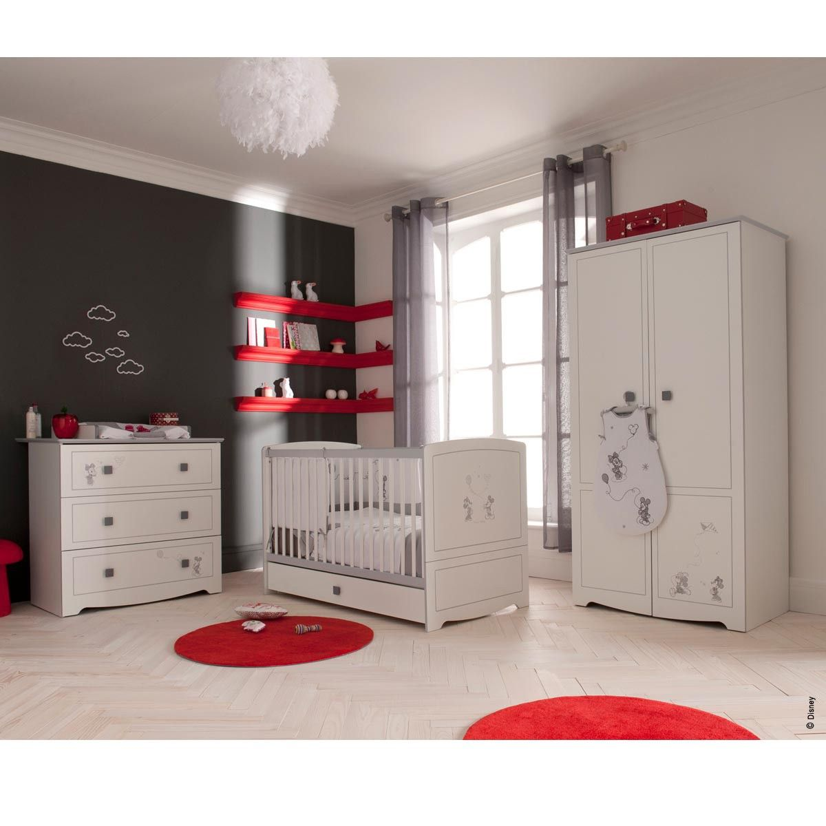 Chambre minnie mickey nursery pinterest nursery - Decoration mickey chambre ...