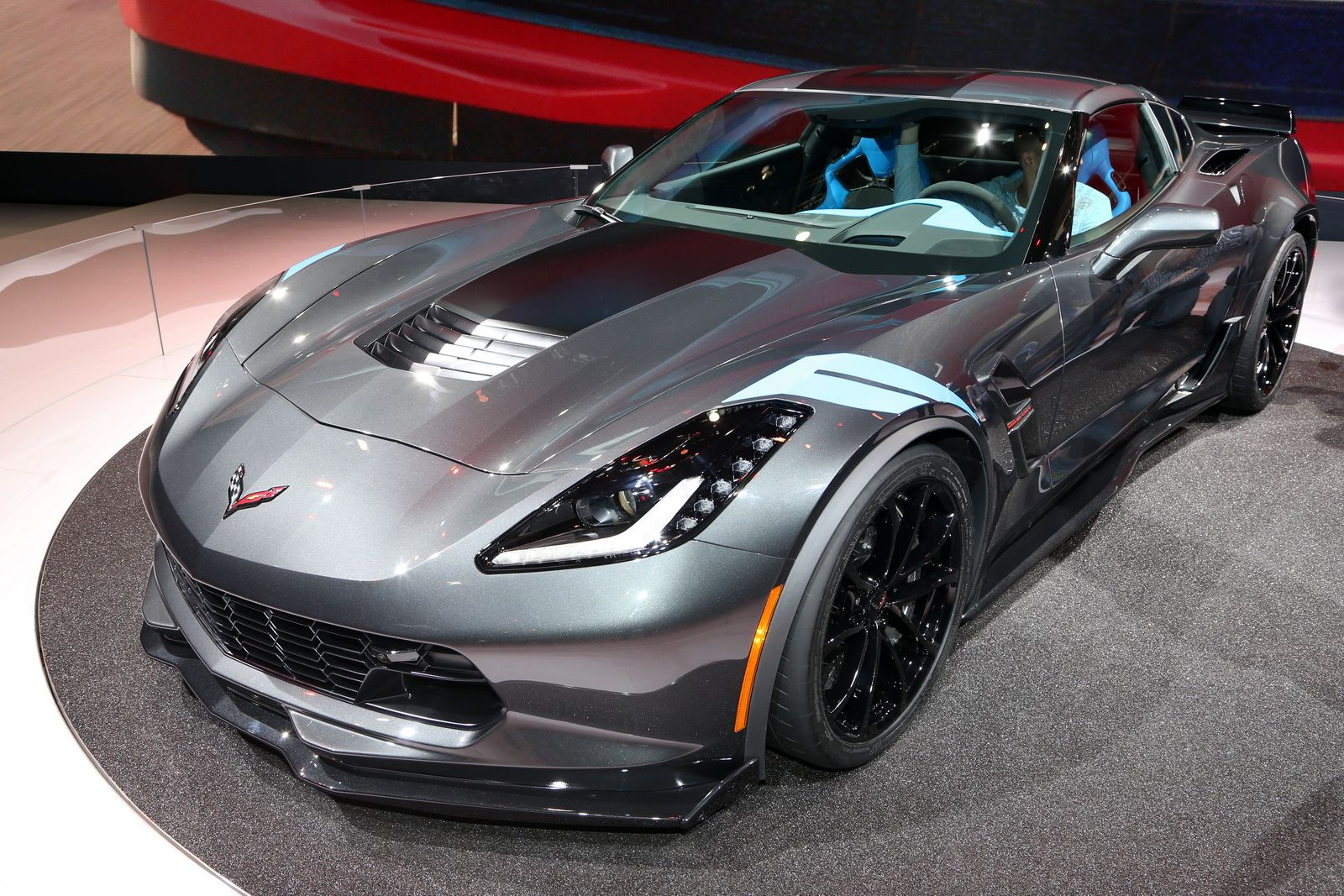 New 2017 Corvette Grand Sport Brings Zo6 Goos To Stingray For 66 445