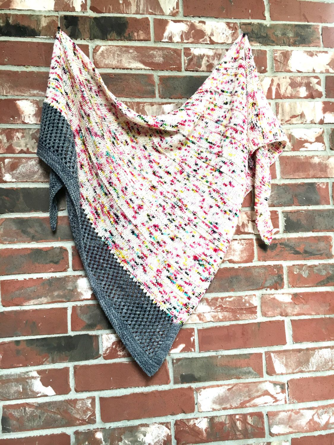 Got speckled yarn get this pattern graffiti shawl knitting get this pattern graffiti shawl knitting pattern knit triangle scarf bankloansurffo Image collections