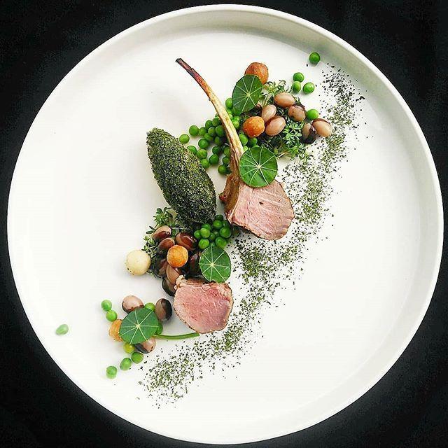 Explore Peter Angyal Crown Roast Of Lamb Rib Green Pea Yin Yang Beans Spinach Mousse Macad Anrichten Auf Dem Teller Lebensmittel Essen Herzhafte Speisen