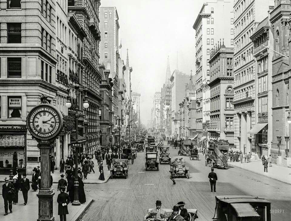 Fifth Avenue at West 43rd Street, New York City Detroit Publishing Company, ca 1909