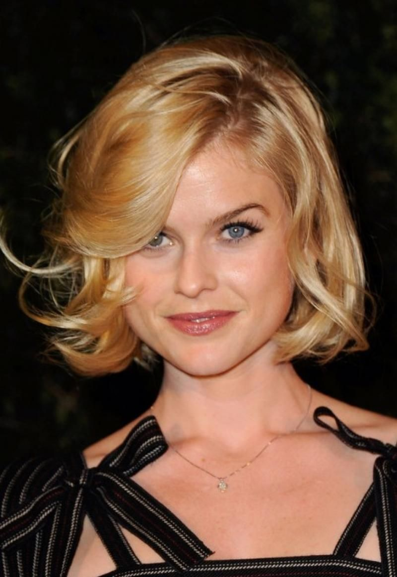 celebrity curly bob hairstyles | alice eve | curly bob