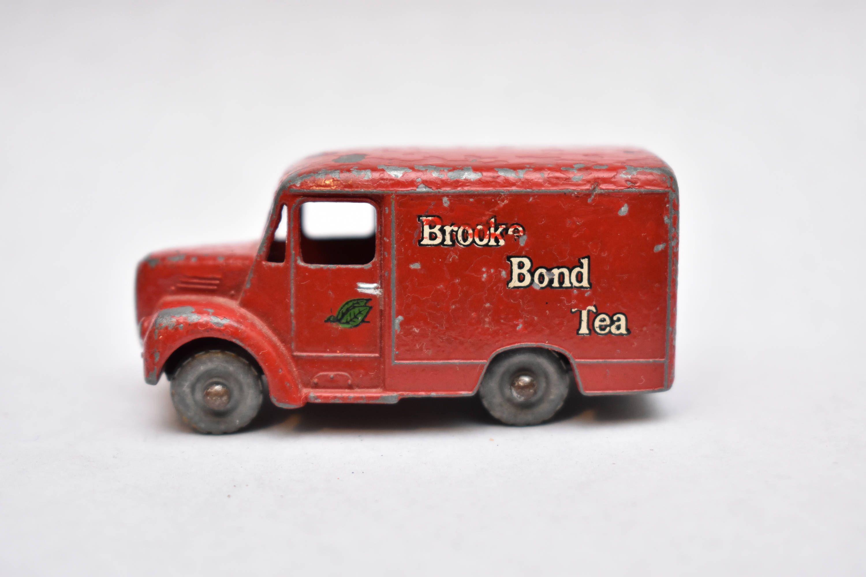 Matchbox Lesney No. 47 Brooke Bond Tea 1 ton Trojan Van
