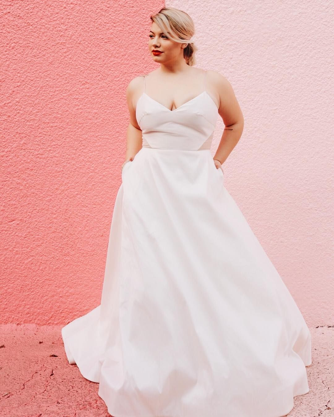 Pin by Lovely Bride on Louvienne Curvy bride, Wedding