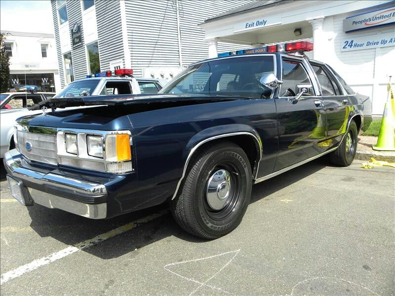 Awesome 1993 crown vic p71 connecticut state police car