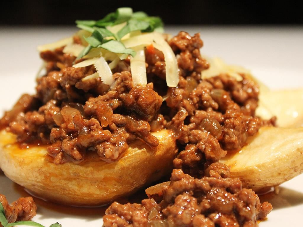 Potato Wedges And Beef Mince With Images Cottage