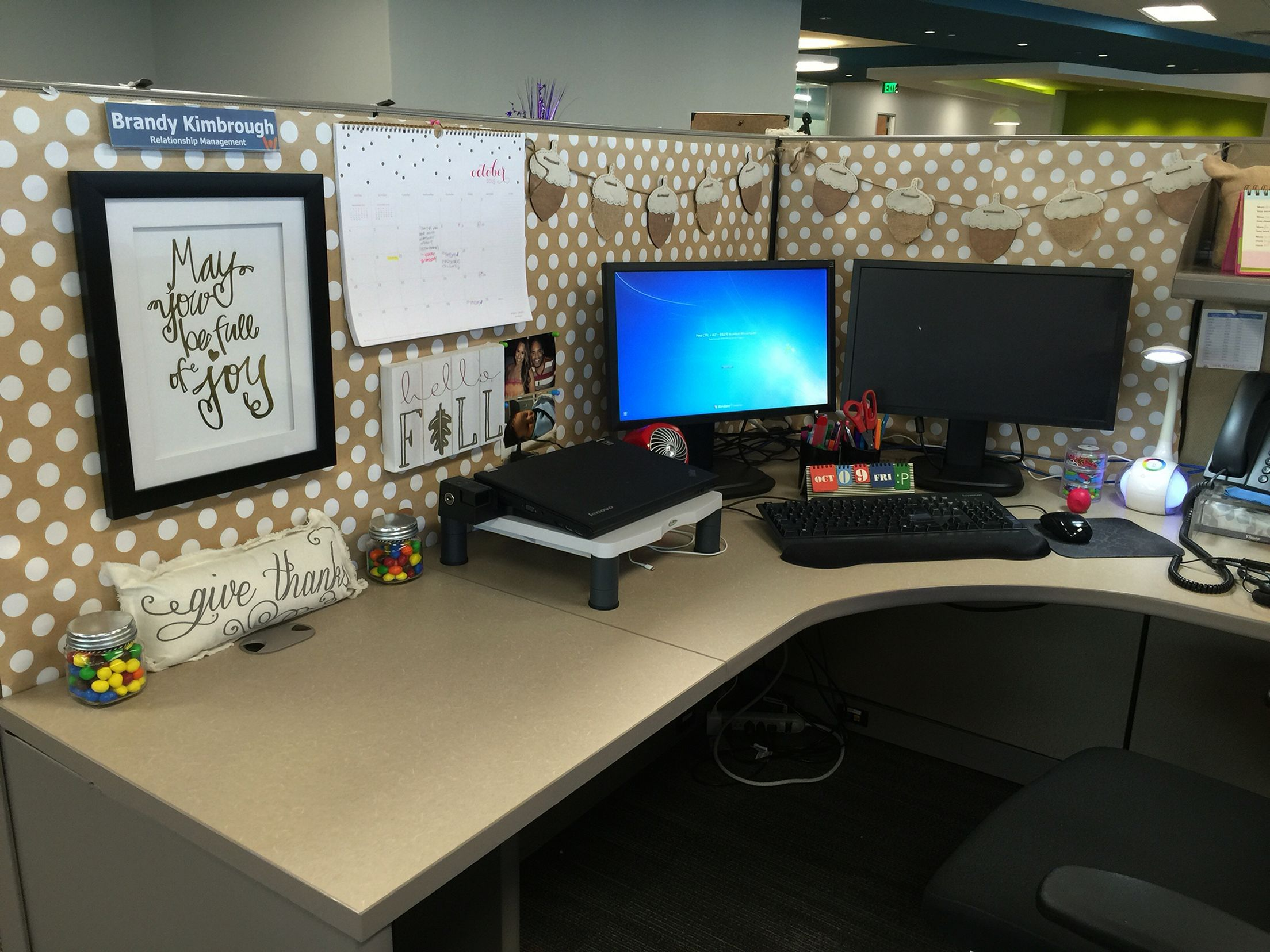 35 Best Cubicle At Work Decor Ideas You Need To Know Freshouz