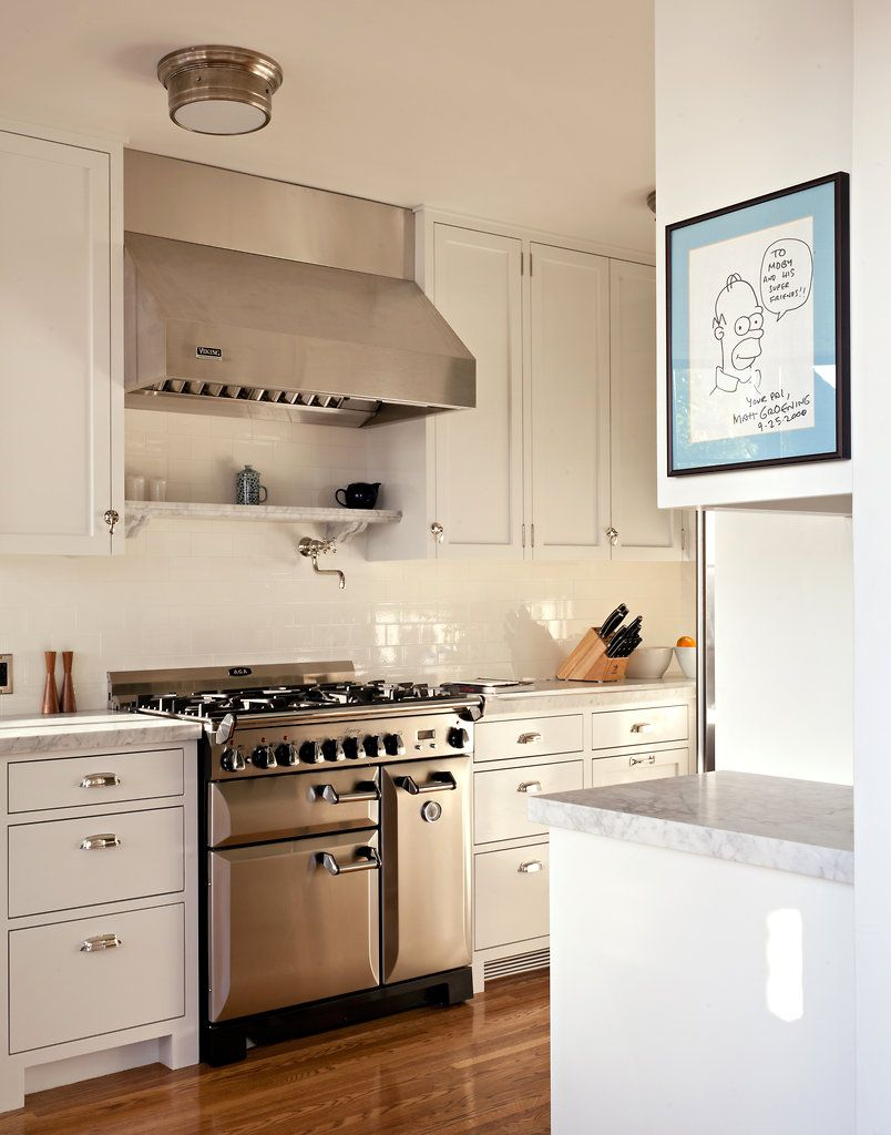 Extremely simple white kitchen with stainless, but also extremely elegant