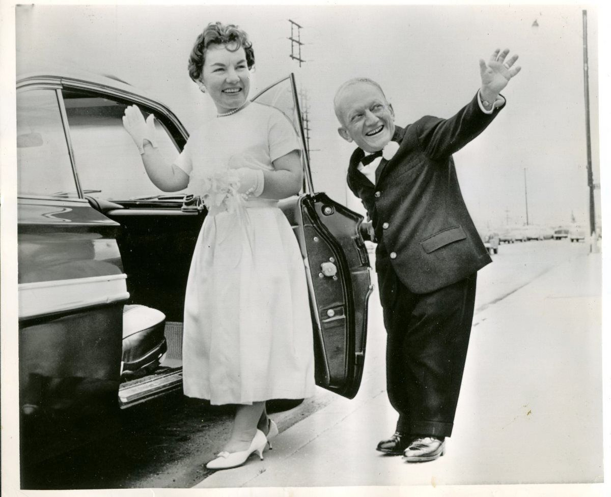 Iin 1962, actor Billy Barty married Shirley Bolinbroke - they had 2 children and remained married until his death in 2000.-------- 38 yrs