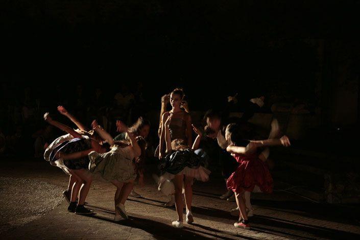 RespirArte è l'evento spezzino che l'8 agosto scorso ha dato vita al borgo di Ameglia dove decine di artisti si sono incontrati... #FunStreetArt #dance #music #art